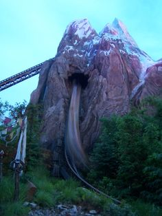 Expedition Everest best ride in Disney World. Rode this with Shanda and some fun kidoes.