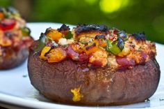 Stuffed portabella pizza w/cashew basil cheese sauce. i'm not vegan, so i might try this with real cheese(to save time) but the cashew basil cheese does sound really good. Whole Food Recipes, Diet Recipes, Vegetarian Recipes, Healthy Recipes, Sauce Recipes, Tasty Meals, Fudge Recipes, Pizza Recipes, Vegan Vegetarian