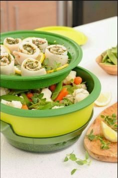 Tupperware Smart Steamer can make many healthy meals quick and easily Healthy Cooking, Healthy Eating, Healthy Recipes, Healthy Meals, Tupperware Pressure Cooker, Tupperware Recipes, Steamer Recipes, Creative Food, Recipe Collection