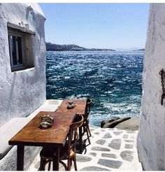 Emmanuelle Alt Official The charm of Mykonos Places To Travel, Places To See, Travel Destinations, Travel Goals, Greek Islands, Places Around The World, Belle Photo, Dream Vacations, Wonders Of The World
