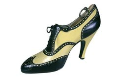 Oxford Pumps, Hellstern and Sons, Patented, Paris: ca. 1936, French, kidskin leather, decorative perforations, leather soles, Louis XV heels.    Inventory Number: 1983.13.242.1