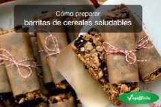 Cómo preparar barritas de cereales saludables.\nSe suele pensar que las barritas de cereales son un snack sano, ideal para deportistas y p...