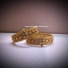 gold bracelets for toddlers Gold Bangles Design, Gold Jewellery Design, Gold Jewelry Simple, Trendy Jewelry, Kundan Bangles, Indian Gold Bangles, Indian Jewelry, Solid Gold Bangle, Antique Jewellery Designs