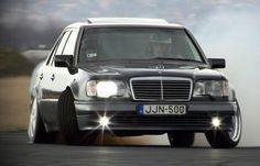 """Mercedes-Benz E-Class - uno dei più famosi """"lupi""""."""
