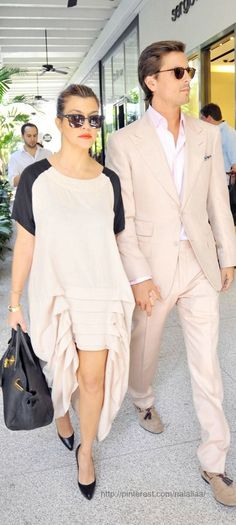 scott disick outfits 50+ best outfits Kourtney Kardashian, Kardashian Style, Kardashian Jenner, Scott Disick And Kourtney, Kim And Kourtney, Scott Disick Style, Cameo Dress, Lord Disick, Mens Fashion