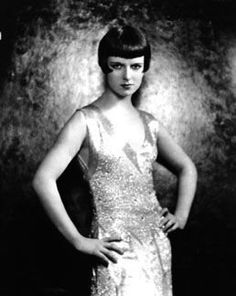 1920s fashion was the perfect blend between style and function. Beautiful clothes that allowed women to move.