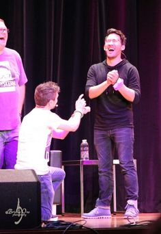 PLEASE STOP HIDING WHAT WE ALL CAN SEEEEEEEE, JACK AND MARK YOU ARE MY OTP