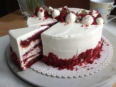 VÍKENDOVÉ PEČENÍ: Dort Red Velvet Red Velvet Desserts, White Velvet Cakes, Red Velvet Recept, Red Velvet Cheesecake Brownies, Cake Recept, Cupcakes, Food Cakes, Creative Cakes, Cake Decorating