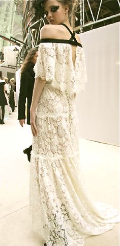 Chanel http://www.talkingwithtami.com/chanel-couture-springsummer-2013-behind-the-scenes