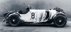The power and the glory: The Mercedes-Benz SSK and SSKL could always be counted on to win races. Racing drivers like Rudolf Caracciola won their first big victories in them.