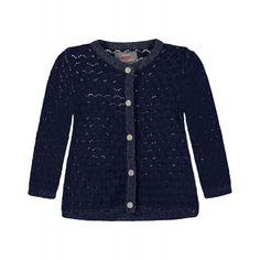 Die dunkelblaue Strickjacke von Kanz ist hochwertig verarbeitet und mit feinem Lochmuster. Sie ist mit dehnbaren Rippenbündchen und Armabschlüssen ausgestattet und mit der Knopfleiste bequem an- und auszuziehen. erhältlich in den Größen 80 - 104 statt € 29,95 jetzt um nur € 17,99 NUR SOLANGE DER VORRAT REICHT! Kind Mode, Sweaters, Fashion, Moving Out, Dark Blue, Knit Jacket, Jackets, Breien, Moda