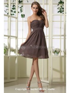 Chiffon Strapless Neckline Knee-Length A-line Bridesmaid Dress with Ruffle