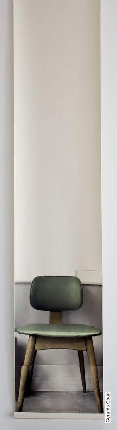 Tapete: Geralds Chair - TapetenAgentur Selected Designtapete von Deborah Bowness