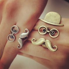 """""""gold and silver"""" glasses, hat, and mustache 2 finger or 1 finger ring. Wedding Rings Vintage, Diamond Wedding Rings, Vintage Rings, Vintage Metal, Diamond Rings, Fake Tattoo, Bling, Favim, Mode Style"""