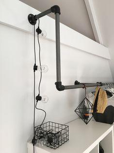 DIY: kledingroede van steigerbuizen - HUIS11