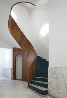 Refurbishment of 3 Historical Buildings / Bovenbouw + Barbara Van Der Wee Architects - Baustil Ideen Timber Staircase, Staircase Design, Spiral Staircases, Staircase Ideas, Interior Architecture, Interior And Exterior, Staircase Architecture, Ancient Architecture, Sustainable Architecture