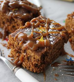 gingerbread with toffee pouring sauce