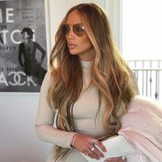 Jennifer Lopez long hair blonde balayage JLO long hair with blonde balayage Summer Hairstyles, Pretty Hairstyles, Braided Hairstyles, Bob Hairstyles, Jennifer Lopez Hair Color, Jennifer Lopez Makeup, Jlo Makeup, Cabelo Ombre Hair, Brown Blonde Hair