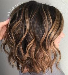 Wavy+Brown+Lob+With+Caramel+Balayage
