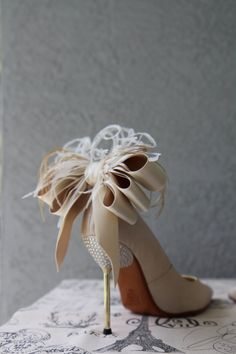 Bridal Party Wedding Ivory And Nude Satin Ribbon Bow And Feather Shoe Clips Set Of Two Bridal Party Wedding Ivory And Nude Bow And Feather Shoe Clips Set Of Two Satin Wedding Shoes, Affordable Bridal, Bridal Heels, Shoe Clips, Bride Shoes, Party Shoes, Beautiful Shoes, Trendy Wedding, Bridal Accessories