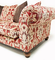 #Tetrad #Elgar a classic #Chesterfield sofa less the buttons http://www.kingsinteriors.co.uk/