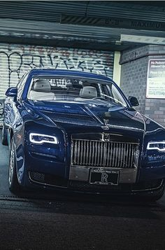 Bentley Rolls Royce, Rolls Royce Cars, Rolls Royce Concept, Voiture Rolls Royce, Los Cars, Dubai Cars, Rolls Royce Wraith, Drive In Theater, Latest Cars