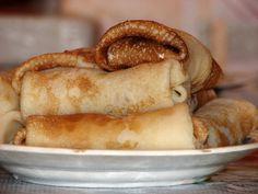 Vegane Pfannkuchen sind variantenreich und lecker. Pfannkuchen ohne Ei lassen sich leichter zubereiten, als viele denken - Rezeptsammlung