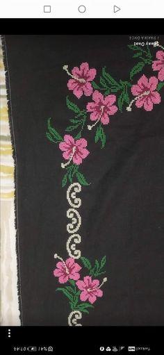 Cross Stitch Rose, Elsa, Cross Stitch Designs, Bath Linens, Home Coffee Bars, Punto De Cruz, Dots, Prayer Rug, Pattern