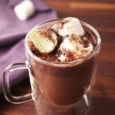 Let your Crock-Pot prepare your party drinks. Informations About Crock-Pot Red Wine Hot Cocoa Pin You can easily use my … Hot Cocoa Recipe, Cocoa Recipes, Dessert Recipes, Slow Cooker Recipes, Cooking Recipes, Cooking Tv, Yummy Drinks, Yummy Food, Beste Cocktails