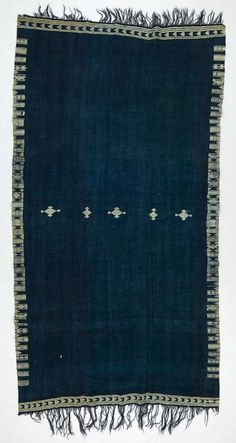 ^>Africa | Shawl ~ bakhnug ~ from the Berber people living in Matmata, Gabès governorate, Tunisia | ca. 1870 - 1930 | Wool and cotton*