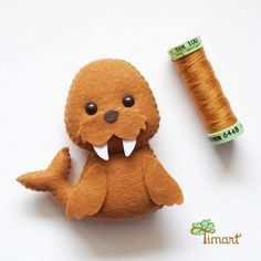 Cute Crafts, Diy And Crafts, Crafts For Kids, Fabric Animals, Felt Animals, Felt Christmas Ornaments, Christmas Crafts, Felt Crafts Patterns, Felt Quiet Books