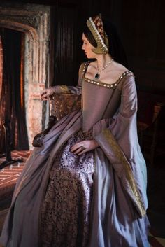 Clarice in dipolomat meeting (Tudor Set 6 Mode Renaissance, Costume Renaissance, Medieval Costume, Renaissance Fashion, Renaissance Clothing, Medieval Dress, Tudor Costumes, Period Costumes, Historical Costume
