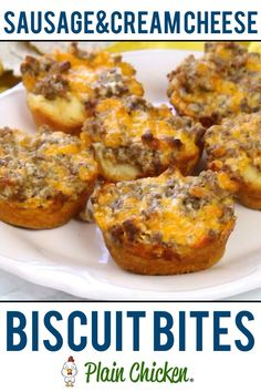Sausage and Cream Cheese Biscuit Bites - so GOOD! I'm totally addicted to these things! Sausage, cream cheese, Worcestershire, cheddar cheese baked in biscuits. Can make the sausage mixture ahead of time and refrigerate until ready to bake. Breakfast Desayunos, Breakfast Dishes, Breakfast Recipes, Fast Breakfast Ideas, Breakfast Appetizers, Grab And Go Breakfast, Recipes With Breakfast Sausage, Breakfast Tailgate Food, Breakfast Finger Foods