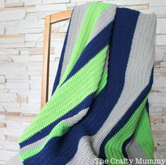 Simple Boy Crochet Blanket {via TheCraftyMummy.com}  #crochet #blanket #boy #navy #lime #easy