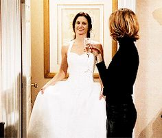 Friends S7 Monica Fighting For Her Wedding Dress Youtube Maxine