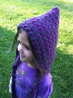 Hood Hat ☺ Free Crochet Pattern ☺love this.. Reminds me of the little garden gnomes