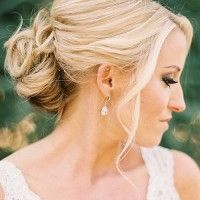 Wedding hairstyles updo rustic low buns 39 ideas for 2019 Low Bridal Bun, Bridal Style, Bridal Updo, Wedding Hair And Makeup, Hair Makeup, Wedding Dress 2013, Wedding Dresses, Wedding Looks, Dream Wedding