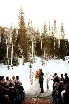 If you are an active sport-loving couple, why not show it rocking a cool ski or snowboard wedding? Go to a cool ski resort and invite everyone... #Ski