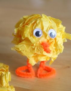 Easter Baby Chick (styrofoam ball, tissue paper, pipe cleaners and googly eyes) by debbie Easter Art, Hoppy Easter, Easter Crafts, Holiday Crafts, Holiday Fun, Easter Chick, Easter Bunny, Tissue Paper Crafts, Craft Projects For Kids