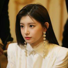 My Beauty, Beauty Women, Asian Beauty, South Korean Girls, Korean Girl Groups, Hangzhou, K Pop, Yuehua Entertainment, Korean Language