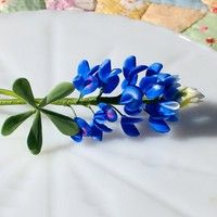 gum paste bluebonnet.  How can I be a real Texan and not figure out how to make these?