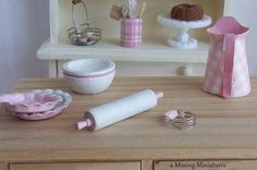 Dollhouse Miniatures Pasty Blender Pink in 1 by aMusingMiniatures