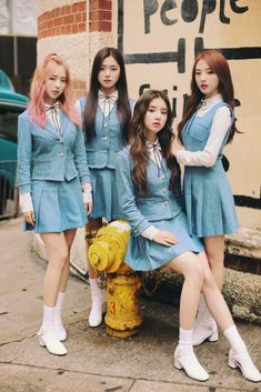 your best source for everything about Blockberry Creative's girl group, LOOΠΔ. Kpop Girl Groups, Korean Girl Groups, Kpop Girls, Kpop Wallpaper, Couple With Baby, Olivia Hye, Ulzzang Girl, South Korean Girls, My Girl