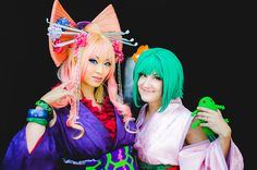 Yaya and Hanna in their Sheryl and Ranka cosplay from Macross Frontier at Anime Expo 2013,