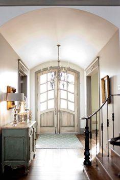 Lo que Debes Buscar en una Casa si te Encanta ser el Anfitrión | Casa Muebles - Muebles, Enseres, Mattress y Decoración