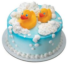 Hosting a rubber ducky party is a fun theme for 3 and 4 year old children. A rubber ducky party is colorful and has a variety of fun games to entertain the children. Rubber Ducky Birthday, Rubber Ducky Party, Baby Cakes, Baby Shower Cakes, Cupcake Cakes, Beautiful Cakes, Amazing Cakes, Rubber Duck Cake, Baby Shower Cake Decorations