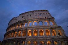 A lit of the top tourist attractions in Rome, Italy. Use this guide to Rome attractions to find the best things to see and do in the Eternal City. Slow Travel, Rome Travel, Italy Travel, Cinque Terre, Mont Palatin, Monuments, Rome Attractions, Photos Hd, Travel Deals