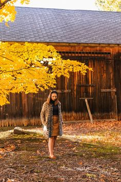 preppy New England style the coastal confidence Aubrey yandow New England Fall, New England Style, Maine In The Fall, Holiday Weather, Autumn Home, Autumn Fall, New England Fashion, Fall Dates, Black Headband