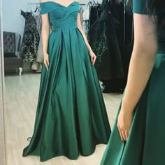 2019 Evening Dresses Long Satin Split Prom Gowns – alinanova - - emerald green prom dresses off the shoulder evening gown Source by carinakoletzky Emerald Green Bridesmaid Dresses, Prom Dresses Blue, Long Bridesmaid Dresses, Satin Dresses, Homecoming Dresses, Evening Dresses, Emerald Green Formal Dress, Emerald Prom Dress, Off Shoulder Bridesmaid