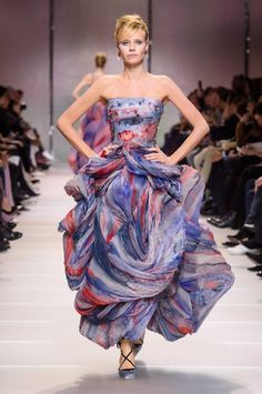 3ae0ac53a0 Pokaz Armani Privé haute couture wiosna-lato 2018 - Armani Privé haute  couture wiosna-